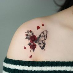 Realistic Butterfly Tattoo, Watercolor Butterfly Tattoo, Rose And Butterfly Tattoo, Butterfly Tattoos Images, Red Ink Tattoos, Mini Tattoos, Body Art Tattoos, Small Tattoos, Cool Tattoos