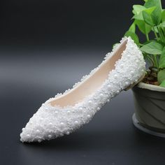 Pregnant Flat Heels Pearls Lace Pointed Toe White Wedding Bridal Shoes –  LoverBridal Wedding Bows 86b78fccae42