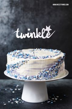 Galaxy Cake Galaxie Torte blau Sterne Mohn weisse Schokolade Pflaume