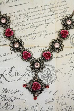 Romantic roses necklace - victorian gothic baroque - Thinking of you Amanda Owens!