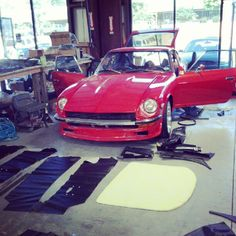 [shop car] 72 Nissan 240Z getting its interior then off to Atlanta Motorsports Park tomorrow for the member social on Saturday. Click the pic for more photos and info here: