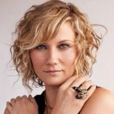 Jennifer nettles love love love this haircut maybes short curly hair with bangs winobraniefo Gallery