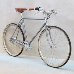 Paramour City Two: Hand built custom bike frames from Paramour Bicycles in Austin, Texas
