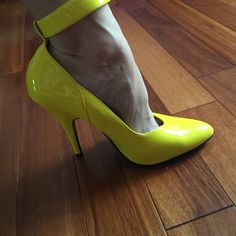 CLEARANCE✅ NWT Ellie yellow heels sz 8 sexy shoes NWT in box Ellie gorgeous yellow heels. Size 8 stand out in these sexy shoes for the summer. Brand new. Bundle & save! Ellie Shoes Heels