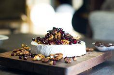 Uunibrie hunajalla ja pekaanipähkinöillä | Nordic Atmosphere