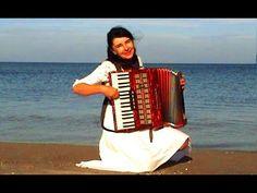 ▶ WIESŁAWA DUDKOWIAK with Accordion on Beach 1 , The most beautiful relaxing melody - YouTube