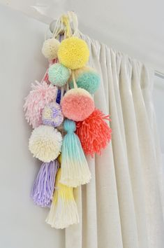 33 Best Teenage Boy Room Decor Ideas and Designs for 2018 Boys room ideas from DIY to decorating to color schemes- so much inspiration to make your boy's room cozy and stylin'. ideen Awesome Teen Girl Bedroom Ideas That Are Fun and Cool Room Decor For Teen Girls, Cool Teen Bedrooms, Teenage Girl Bedrooms, Boys Room Decor, Trendy Bedroom, Teenage Room Decor Diy, Teenage Girl Crafts, Ikea Girls Room, Toddler Room Decor