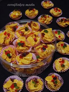 Cornflakes Madu & Perhitungan Harga Jual Jelly Recipes, Cookie Recipes, Princess Cookies, Resep Cake, Biscuit Recipe, Cake Cookies, Yummy Cakes, Asian Recipes, Sweet Tooth