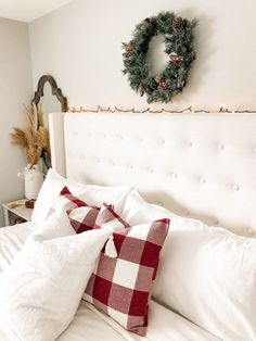 Decorating Your Home, Diy Home Decor, Room Decor, Holiday Ideas, Christmas Ideas, Holiday Decor, Furniture Styles, Custom Furniture, Bedroom Inspiration
