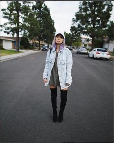 I love Sophia Chang, here ig feed is literal life. All her pictures are thought out, creative and beautiful. I am absolutely obsessed. Not only that but her style is amazing. go check her out https://www.instagram.com/fashionista804/ and follow me for more pics ✌.