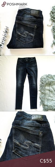LIKE NEW! 28x31 High Rise Skinny Silver Jeans LIKE NEW! Aiko Silver Jeans High rise, skinny cut Dark wash with minimal factory fading. Newer style Silver Jean pocket. In excellent condition and very well taken care of! W 28 L 31 Silver Jeans Jeans High Rise Jean Short Overalls, High Collar Blouse, Curvy Jeans, Paisley Dress, Aiko, Silver Jeans, Dark Wash Jeans, High Jeans, Mom Jeans