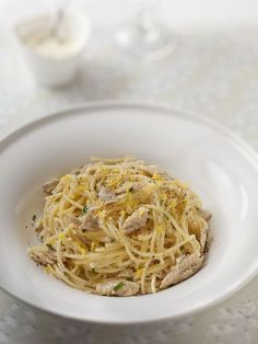 Pâtes au thon, crème à l'ail et au citron - Recette de cuisine Marmiton : une recette