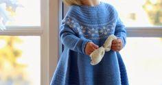 Gamle strikkeoppskrifter er populære, som denne vakre barnekjolen.