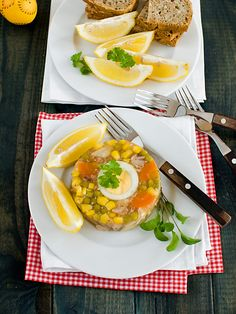 Galaretka z kurczaka z groszkiem i kukurydzą -  MniamMniam.pl Dhal, Avocado Egg, Eggs, Cooking, Breakfast, Recipes, Food, Easter, Diet