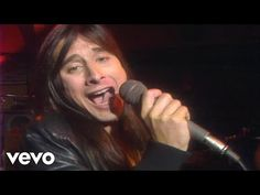 Journey's official live video for 'Don't Stop Believin'' performed in Houston. Click to listen to Journey on Spotify: http://smarturl.it/JourneySpot?IQid=Jou...