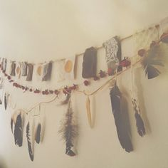 Moondaughter: Luna and Soul: Feathering the Nest: DIY Dream Catcher Garland