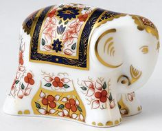 Royal Crown Derby quotOld Imari Lucky Elephant Charmquot