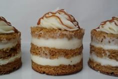 Banana and dulce de leche cakelets with cream cheese frosting