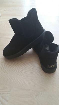Black bootis