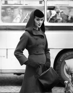 Love this short-waisted, double breasted, hooded Lanvin-Castillo jacket from 1956. #vintage #fashion #1950s