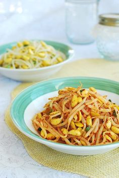 Kongnamul muchim (seasoned soybean sprouts) is one of the most commonly served side dishes in Korean homes. You've probably seen this dish among Bean Sprout Recipes, Vegetable Recipes, Vegetarian Recipes, Cooking Recipes, Healthy Recipes, Vegetarian Dish, Veggie Food, Korean Side Dishes, Korean Kitchen