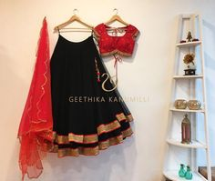 Looking for half saree color combinations ? Check out 21 cool looking half saree designs with trending colors and modern appeal. Lehenga Choli Designs, Designer Lehnga Choli, Saree Blouse Designs, Lengha Design, Indian Lehenga, Half Saree Lehenga, Lehnga Dress, Black Lehenga, Floral Lehenga