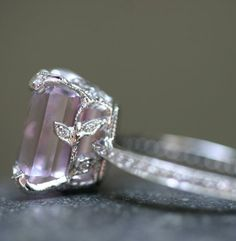 Cathy Waterman platinum Kunzite ring with diamond leaves and band.