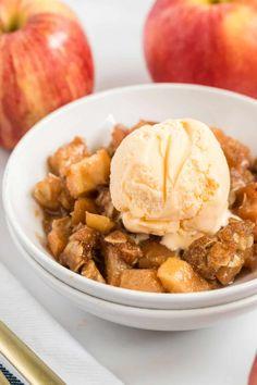 Vegan Apple Crisp, Apple Crisp Recipes, Fall Recipes, Vegan Recipes, Cooking Recipes, Vegan Sweets, Vegan Desserts, Apple Desserts, Fall Baking