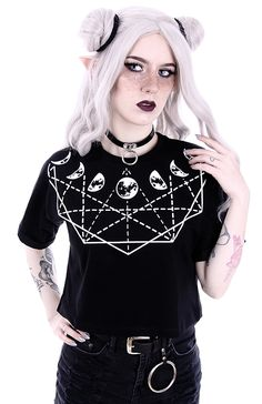 Loose black tshirt crop top with symbols and moons, Gothic witchy nugoth restyle > JAPAN ATTITUDE - VETTOP498 Shop : www.japanattitude.fr