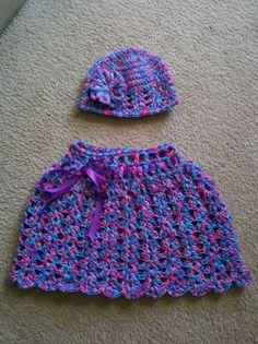 Girls Poncho and Hat Crochet For Kids, Crochet Baby, Knit Crochet, Girls Poncho, Jennifer Williams, Sweater Set, Baby Sweaters, Crochet Projects, Hat