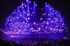 Glow Motion LED Balls were fed wireless DMX. Photo by Steve Jennings Stage Lighting Design, Stage Set Design, Church Stage Design, Summer Sixteen Tour, Concert Stage Design, Show Lights, Stage Show, Experiential, Multimedia