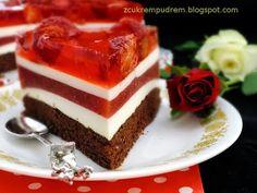 z cukrem pudrem: Patriotyczny torcik truskawkowy