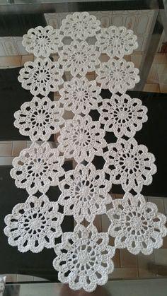 Crochet Table Runner Pattern, Crochet Tablecloth, Crochet Doilies, Crochet Flowers, Table Cloth Crochet, Crochet Mandala Pattern, Crochet Ripple, Crochet Square Patterns, Crochet Disney