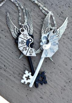 Key Jewelry, Cute Jewelry, Jewelery, Jewelry Accessories, Bff Necklaces, Key Necklace, Friendship Necklaces, Magical Jewelry, Accesorios Casual