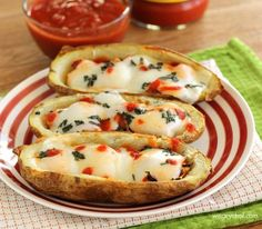 Margherita Chicken Potato Skins #reciep via The Weary Chef http://www.yummly.com/recipe/Margherita-Chicken-Potato-Skins-762907