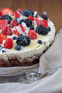 Berry Coconut Cream Cake #vegan #glutenfree www.contentednesscooking.com