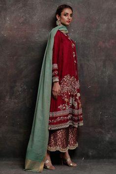 Pakistani Wedding Outfits, Bridal Outfits, Pakistani Dresses, Indian Dresses, Indian Outfits, Wedding Dresses, Pakistani Designer Clothes, Indian Designer Suits, Pakistani Dress Design