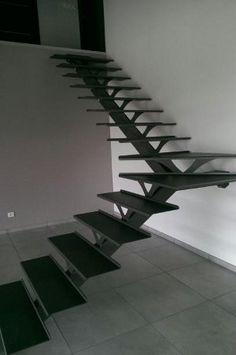 Escalier marches avec 2 demi paliers , thermolaquage gris sablé pailleté