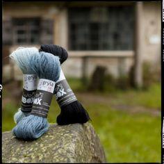 Gryla 100% pura lana d'Islanda, tosa 2012, matasse da 25 g ca. = 112m ferri consigliati mm. 2,5/3. Lace a due capi. Il nuovo filato che Helene Magnusson ha fatto produrre in Biella. Gryla from Iceland with Love.