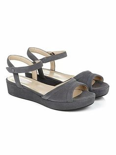 Flatform sandals combine style and comfort for the perfect summer shoe – enter the Andie Sandal in dark cloudy grey suede or classic jet black. Low Heel Shoes, Low Heels, Shoes Heels, Grey Houses, House Of Fraser, Hobbs, Shoes Outlet, Summer Shoes, Kids Fashion