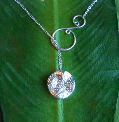 Silver Textured Disc with Swirl Lariat Necklace, handmade jewelry Wire Wrapped Jewelry, Metal Jewelry, Beaded Jewelry, Jewelry Necklaces, Wire Bracelets, Wire Earrings, Silver Earrings, Handmade Necklaces, Handmade Jewelry