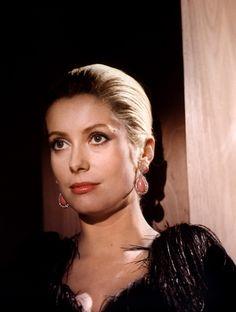 Catherine Deneuve dans « Un Flic» de Jean-Pierre Melville en 1972.