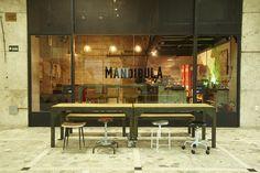 MANDÍBULA  Bar, café e loja de discos na Galeria Metrópole. República, São Paulo, Sp.
