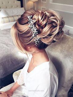 Adorable Elstile Long Wedding Hairstyles and Updos / www.deerpearlflow…  The post  Elstile Long Wedding Hairstyles and Updos / www.deerpearlflow……  appeared first on  Iser Haircuts .