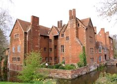 This moated medieval and Elizabethan manor is owned by the Archdiocese of Birmingham. It has secret priests' hiding places and rare wall paintings. English Manor Houses, English Castles, English Architecture, Historical Architecture, Abandoned Houses, Old Houses, Places To Go, Hiding Places, Castles In England