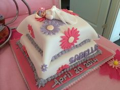 Christening cake with flower theme