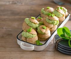 Bignè integrali con crema di fave e crescenza - Cucina Naturale Baked Potato, Muffin, Potatoes, Baking, Breakfast, Ethnic Recipes, Food, Cream, Pranks