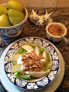 April's Featured Recipe: sent to us by fan, Linda!  Send us your own favorite recipe that uses any variety of Golden Girl Granola with a photo, and we could feature it in May!  Pear Salad, gluten-free! submitted by Linda Myers-Tierney 1/2 head Romaine lettuce, chopped 1 ripe pear, sliced 1/2 cup coconut yogurt 1/4 cup Truly Tropical Golden Girl Granola