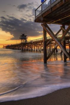San Clemente Pier at Sunset, thanks to Photobotos.com - a wonderful photo-a-day blog.