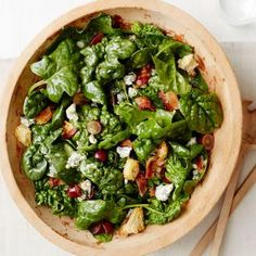 Spinach Salad with Warm Bacon Dressing @keyingredient #honey #cheese #bacon